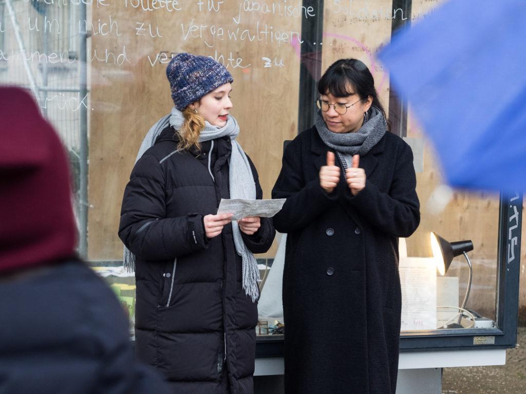 Marie-Antonia Melzer und Hyemi Jo beschreiben das Projekt in ihrem Grußwort